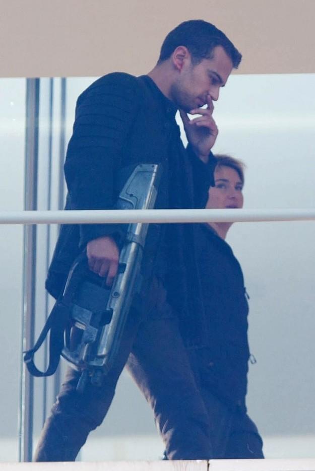 Shailene Woodley, Theo James, Divergent, Insurgent