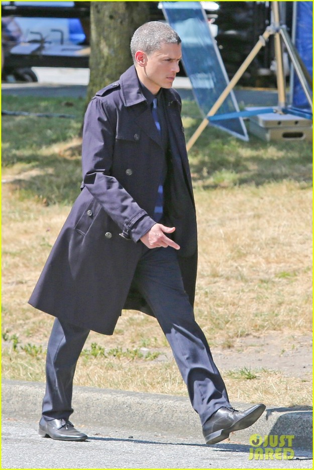 wentworth-miller-on-the-flash-first-set-photos-03