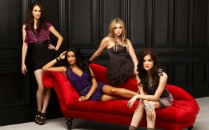 Pretty Little Liars, Ashley Benson, Lucy Hale, Troian Bellisario, Shay Mitchell