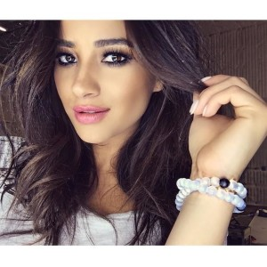 Shay Mitchell, World Water Day, Pretty Little Liars