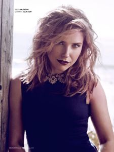 Sophia Bush, Bello