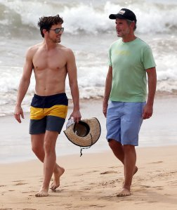 Shirtless-Matt-Bomer-Maui-Hawaii-Pictures7