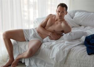 Tom Hiddleston, W