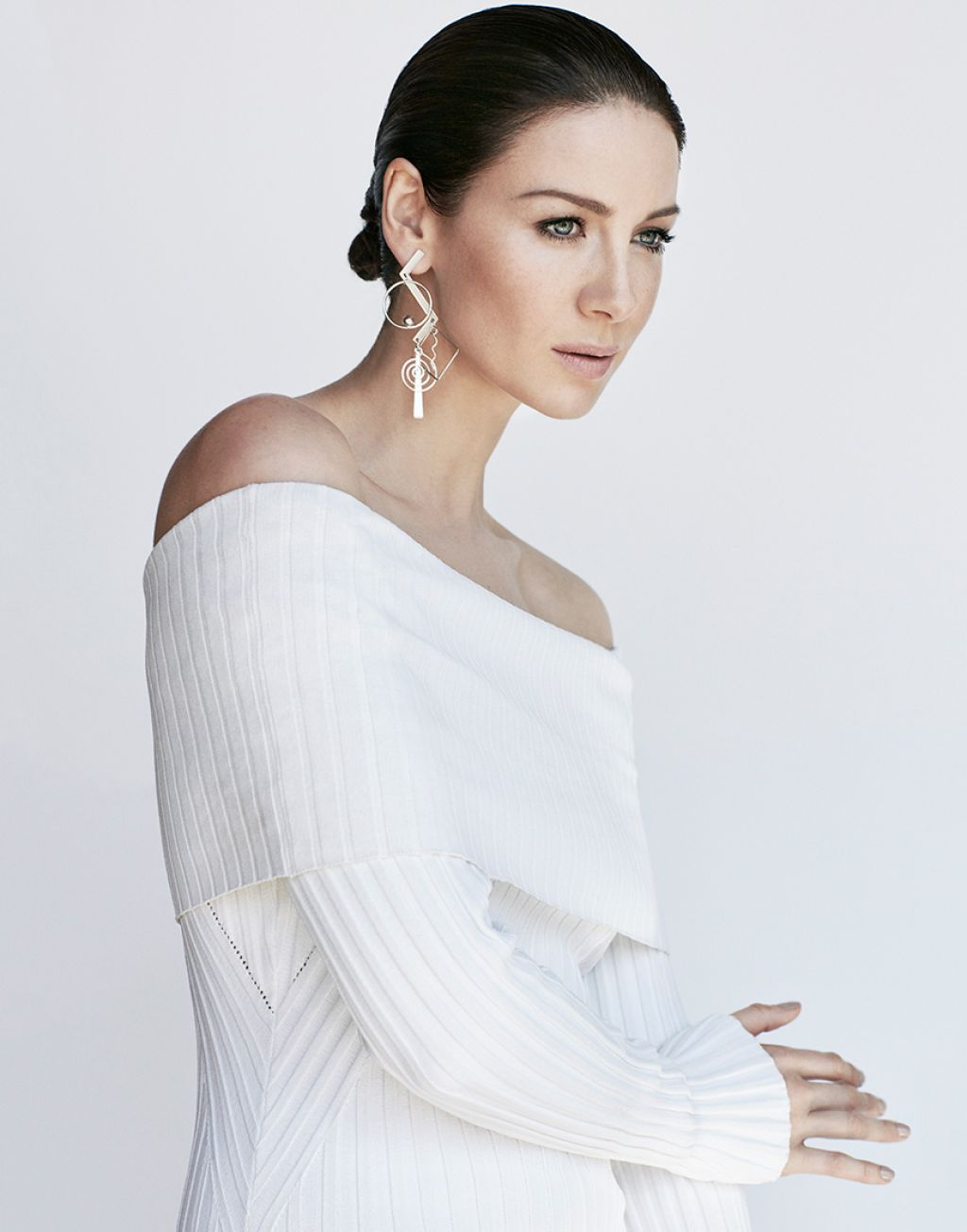 caitriona balfe featured in flare music in the dark