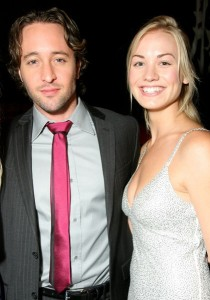 Yvonne Strahovski, Alex O'Loughlin