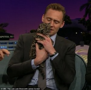 Tom Hiddleston, Late Late Show